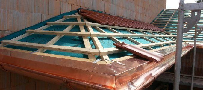 Dachrinne und Traufblech für Garage und Vordach