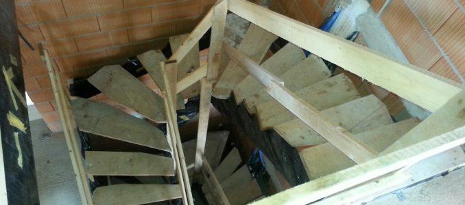 Der nächste große Meilenstein: Unser Haus hat eine Treppe (wenn auch nur provisorisch)