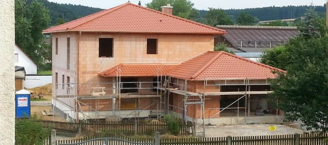 Da steht es, unser Haus mit allen Dächern!