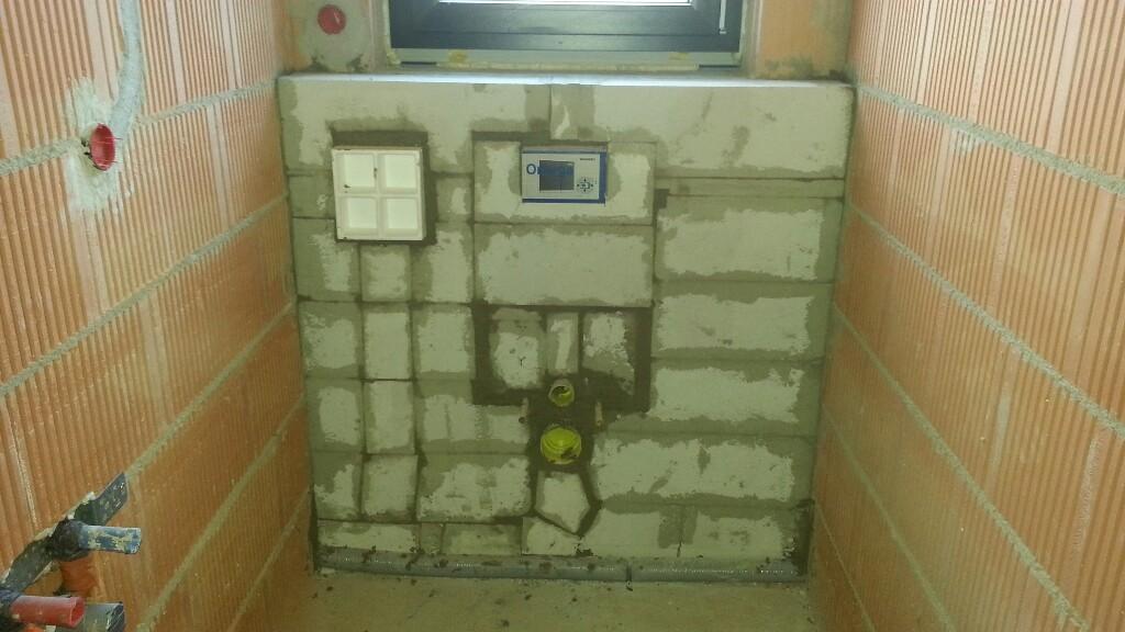 Vormauerung im Gäste-WC