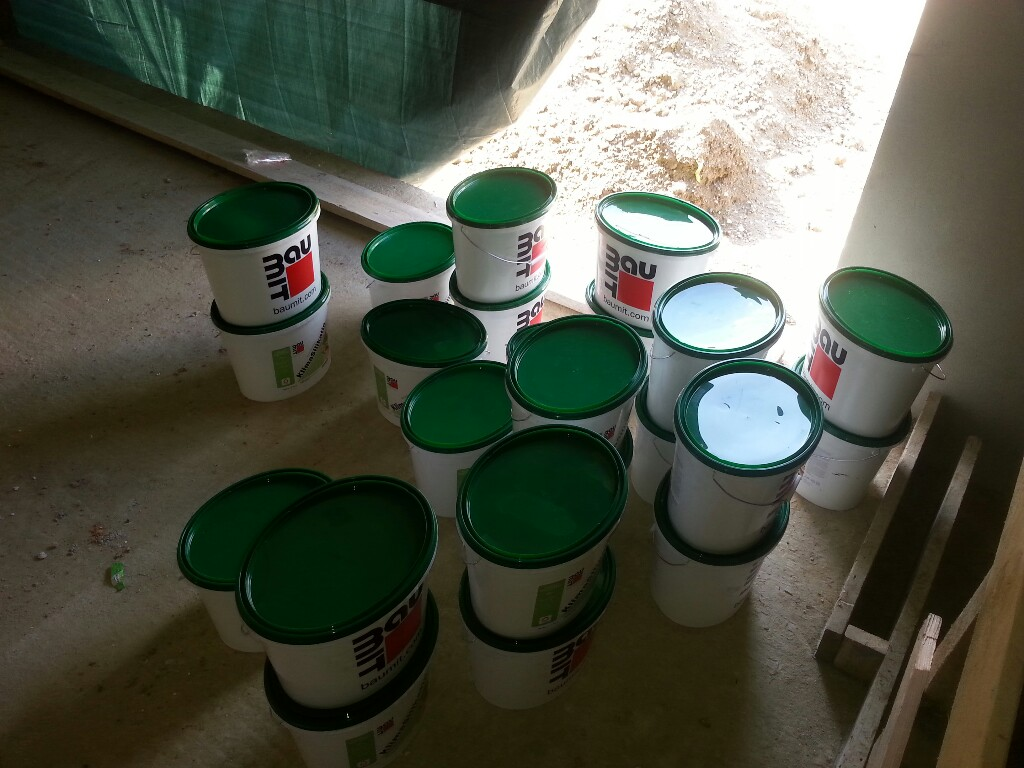 Was macht man mit 23 Farbeimern…