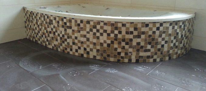 Das Bad ist gefliest :-)